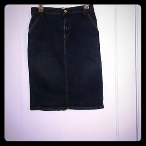 GAP stretch pencil skirt